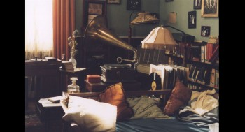 01 Franny-&-Zooey-Living-Room